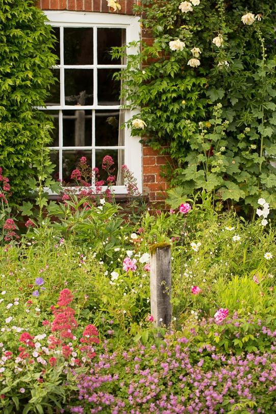 Longwood Cottage - cottage garden